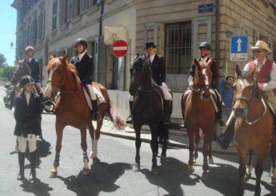 Anne Bonhôte, Anne Southam-Aulas, Françoise Aulas, Patrick Künzler et le groupe de cow-boys! Devant: Astrid Southam